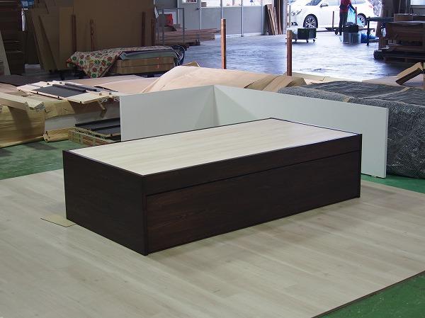 板の間小上がりをオーダーで製作します