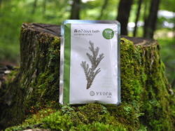 100%天然yuicaエッセンシャルオイル(精油)配合 アスナロの香りの入浴剤